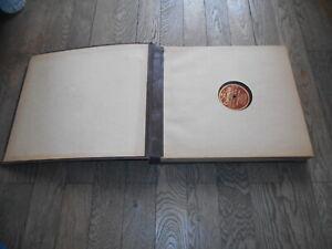 Lot de 12 disques 78 tours dans un classeur