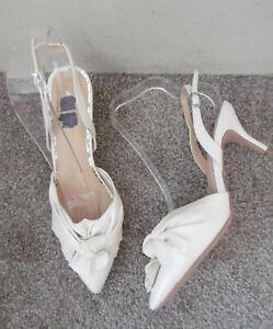 Wallis White Shimmer Knot Detail Slingback Pointed Heels, Size UK 6 EU 39