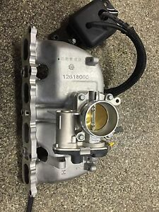 NEW OEM GM COBALT HHR SKY SOLSTICE 2.0L Turbo INTAKE MANIFOLD w/throttle body