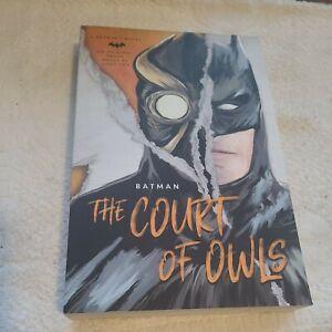 DC Comics Graphic Novel- Batman : The Court Of Owls - Greg Cox Book.