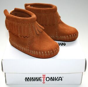 MINNETONKA Baby Size: 1 Infant Back Flap Bootie Brown Suede Leather NEW RRP: $27