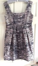 Ladies Coleen X Mini Dress Patterned Beige & Navy Size 12 VGC