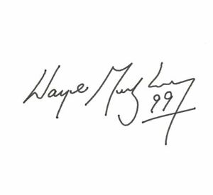Wayne Gretzky signed autopenned autographed book! 6619