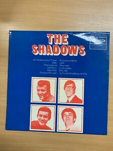 "1970 THE SHADOWS ""WALKIN' WITH THE SHADOWS"" 33 1/3 RPM VINYL RECORD LP"