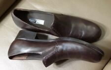 MUNRO PROPER  SIZE PERFECT FIT BROWN LEATHER WOMEN'S LOAFERS  SHOES 8,5 SS