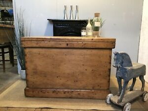 Magnificent Victorian Old Pine Trunk / Chest / Antique Blanket Box /Coffee table