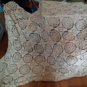 Vintage 1970s Hand Crochet Bedspread in heavy white wool 206 x 278cm