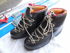 Vintage black Leather Ski Boots-Made by Valsport -Italy SKIER'S BOOTS size 39 EU