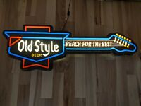 VINTAGE HEILEMAN'S OLD STYLE BEER LIGHTED GUITAR BEER SIGN