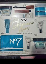 No7 The Star of the Show Cosmetic Gift Set (Qnzz3)