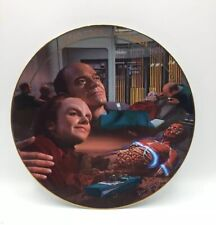 """Star Trek: Voyager Plate Hamilton Collection """"Life Signs"""" Plate#0643A 19."""