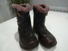 Clarks girls boots size 6.5 in Purple with Faux Fur and Flower design.