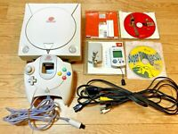 SEGA Dreamcast Console HKT-3000 Controller Visual Memory Game x 3 KOF etc. Japan