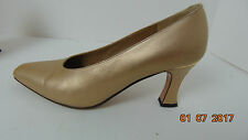 St. John Wheat Beige Metallic Leather Pumps SZ 6.5 B  Shoes Made in Italy