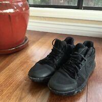 Nike Kyrie 3 Triple Black Basketball Sneaker 852395-005 Men's Size 11
