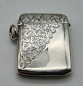 NICE GOOD CONDITION ANTIQUE STERLING SILVER VESTA CASE CHESTER 1904