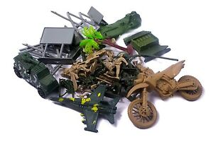 PLASTIC ARMY TOYS 40 PIECES Warfare Bag Plastic Soldiers Figures Military War