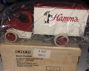 ERTL 1926 MACK DELIVERY TRUCK HAMM'S BEER COIN BANK DIE CAST 1/38 SCALE MIB