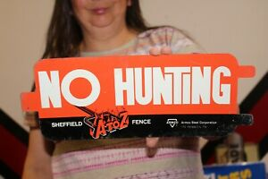 """Vintage 1960's No Hunting A To Z Fence Co. Farm Gas Oil 2 Sided 14"""" Metal Sign"""
