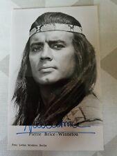 Pierre Brice original signierte Autogrammkarte Winnetou Karl May