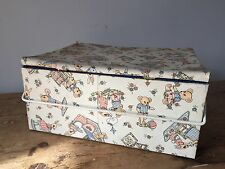 VINTAGE SEWING BASKET - CASE - CONTAINER - CARRIER