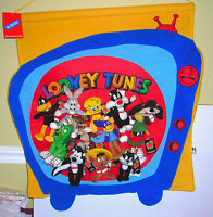 WARNER BROTHERS LOONEY TUNES MINI BEAN BAG WALL HOLDER WITH LOT12 PLUSH TOYS