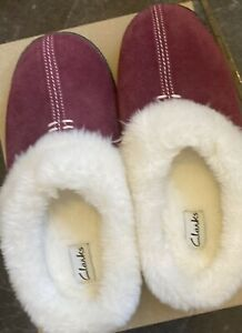 CLARKS LADIES HOME CLASSIC Wine SUEDE WARMLINED MULE SLIPPERS UK 4 D (EU )37