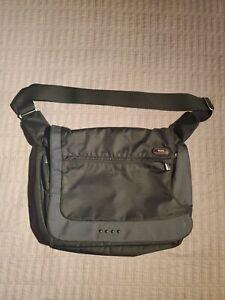Tumi 5112D Black Nylon Large Capacity Expandable Laptop Shoulder Messenger Bag