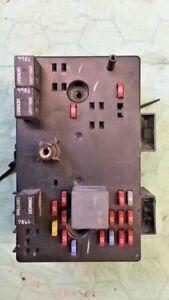 2002-2003 Saturn Vue fuse junction box 22685685