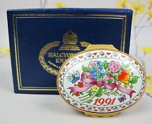 """Vintage Halcyon Days enamel BOX """"A Year to Remember"""" 1991. Perfect Birthday gift"""