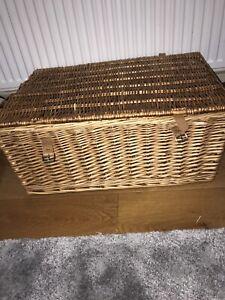 large wicker hamper basket with lid
