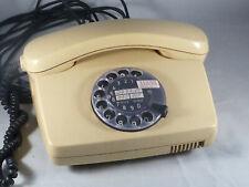 Altes Telefon mit Wählscheibe, Post Telefon FeTAp 791-1, Beige
