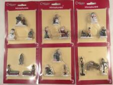Cobblestone Corners Miniatures Lot of 18 Pieces Christmas Village Figurines