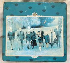 Vintage DUTCH  ROYAL FAMILY Real Photo Litho Large Tin Box DELACRE
