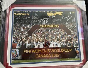 AUTOGRAPH 2015 FIFA WORLD CUP USA WOMENS CHAMPION TEAM PHOTO FRAMED