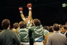 Old Boxing Photo Gerry Cooney Celebrates Winning The Fight Against Ken Norton 2