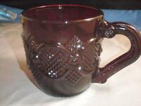 VINTAGE AVON 1975-1990 RUBY RED CAPE COD 1876 DESIGN GLASS COFFEE CUP/MUG USA