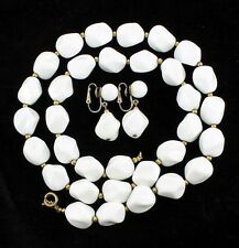 VINTAGE TRIFARI WHITE LUCITE PLASTIC FUNKY CHUNK BEAD NECKLACE EARRINGS SET 26""
