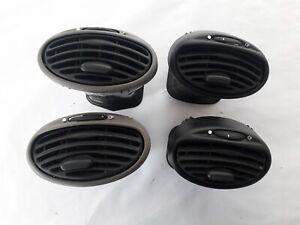 Ford Focus MK1 / Lots 4 grilles de ventilation /98AB19893AHW