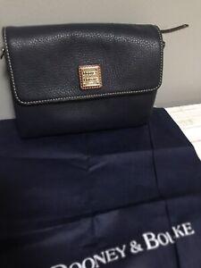 Dooney & Bourke Hunter Pebble Leather Crossbody, Convertible Clutch- Navy EUC