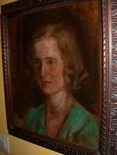 Bildnis einer Frau im grünem Kleid. Unsigniert. Alter ca. 1920