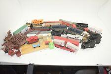 MEGA MEGA LOT OF HO TRAINS, Freight cars and 4 / Engines / AND STUFF