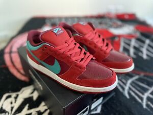 DS NIKE DUNK SB LOW BRICKHOUSE TURBO GREEN 304292-636 100% AUTHENTIC NEW & RARE!