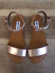 Steve Madden, Kids 'JMILLIEE' Rose Gold Sandals, size 3