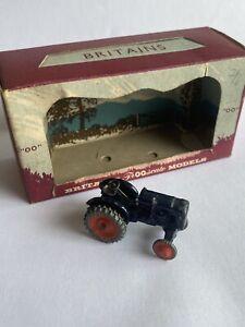 VINTAGE BRITAINS LILLIPUT WORLD FARM, OO or HO gauge TRACTOR,FORDSON MAJOR.LV604