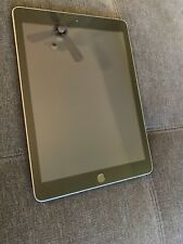 Apple iPad 5th Gen. 128GB, Wi-Fi, 9.7in - Space Gray