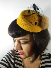 Mini chapeau bibi rétro vintage jaune moutarde voilette pompon fausse fourrure