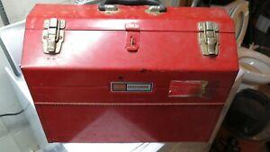 CRAFTSMAN CANTILEVER TOOL BOX