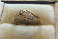 Beautiful Ladies Stamped Antique Deco 18ct & Platinum 3 Stone Diamond Ring - Q