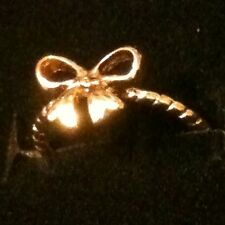 """Beautiful Dainty """"Take A Bow"""" Ring Gold tone ✦ Size 6 Love Notes ✦ FREE SHIPPING"""